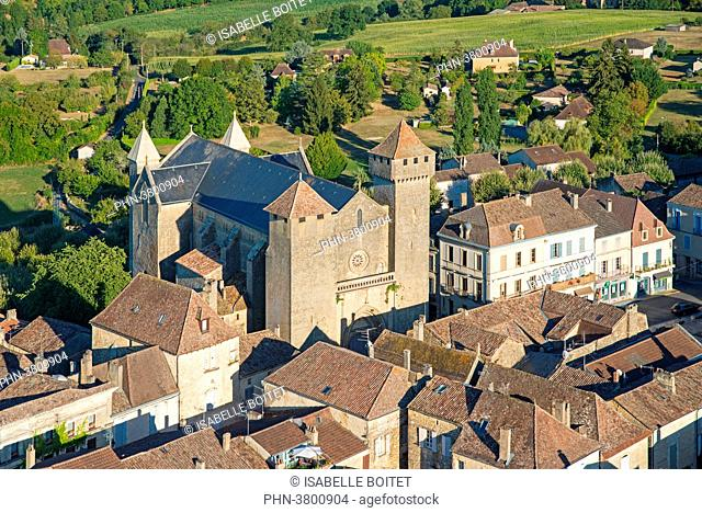 France, Aquitaine, Dordogne, Beaumont-du-Perigord, strengthened Church Saint-Laurent-et-Saint-Front of English Gothic style of the XIIIth century at the heart...