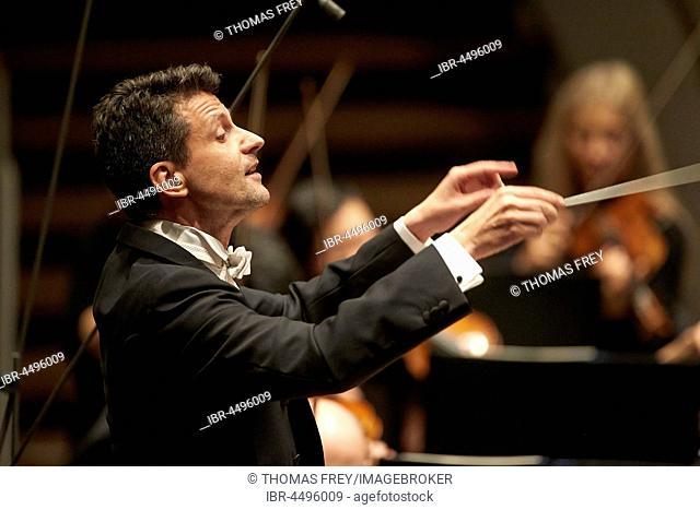 Conductor Ruben Gimeno conducts Staatsorchester Rheinische Philharmonie, Music Department, Koblenz, Rhineland-Palatinate, Germany