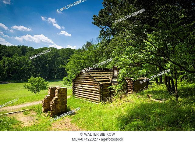 USA, New Jersey, Morristown, Morristown National Historical Park, Jockey Hollow, winter camp and cabins site used by American soldiers during the American...