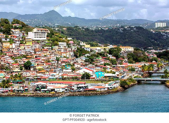 TRADITIONAL HABITATIONS, COLORFUL HOUSES BY THE SEA, TEXACO QUARTER AND CLAIRIERE RIVE DROITE, FORT-DE-FRANCE, MARTINIQUE, FRENCH ANTILLES, FRANCE