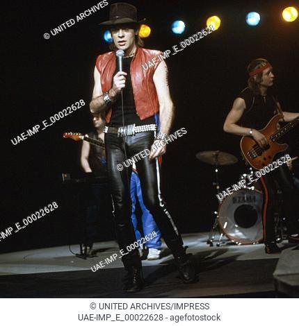 Der deutsche Maler, Schriftsteller und Musiker Udo Lindenberg, Deutschland 1980er Jahre. German rock singer, author and painter Udo Lindenberg performing