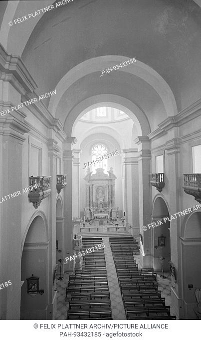 Interior of the very high church of the brother Schlesinger, architect. In the main altar now the holy relic of Petrus Claver, Cartagena (Bolivar), Colombia