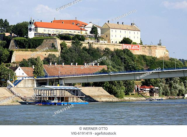 Serbia, Novi Sad on the Danube, Province Vojvodina, District South Backa, Petrovaradin Fortress, Varadin Bridge, Danube bridge, Danube landscape