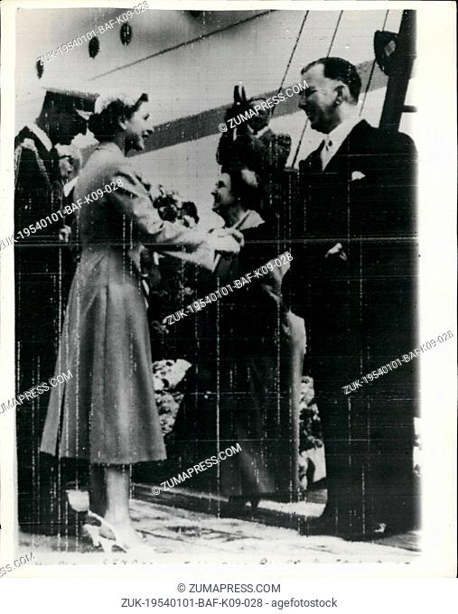 Jan. 01, 1954 - QUEEN AND DUKE OF EDINBURGH LEAVE NEW ZEALAND BID FAREWELL TO MR. and MRS. HOLLAND - AT BLUFF.. PHOTO SHOWS: H.M