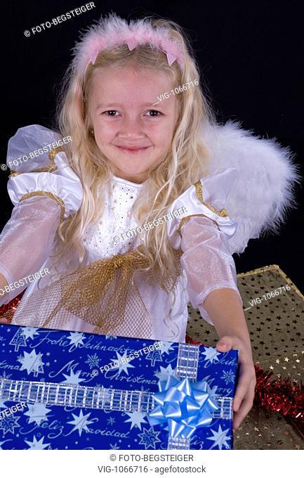 little christmas angel. - 11/11/2008
