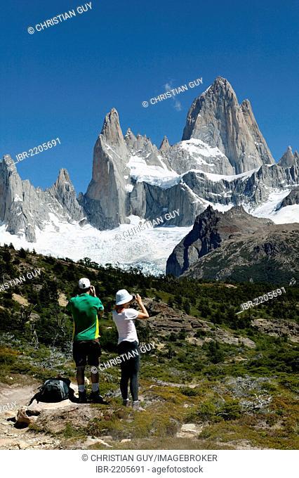 Monte Fitz Roy, near El Chalten, Cordillera, Los Glaciares National Park, UNESCO World Heritage Site, Santa Cruz province, Patagonia, Argentina, South America