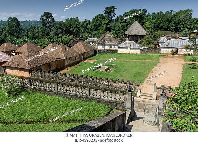 Traditional village Chefferie of Bafut, Chefferie de Bafut, meeting house Atchum or Achum behind, UNESCO World Heritage Site, Bamenda, North-West Region