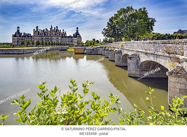 Access through a bridge to Chambord Castle