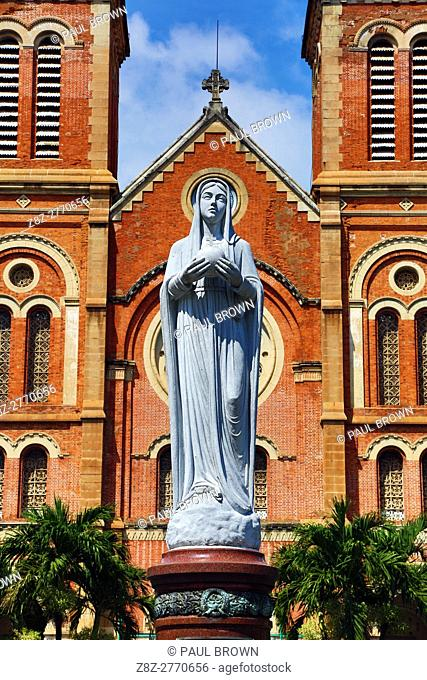 Statue of the Virgin Mary at the Notre-Dame Cathedral Basilica of Saigon, Ho Chi Minh City (Saigon), Vietnam.