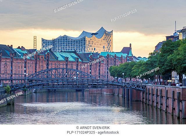 Zollkanal and the Elbphilharmonie / Elbe Philharmonic Hal in Speicherstadt, warehouse district, port of Hamburg, Germany