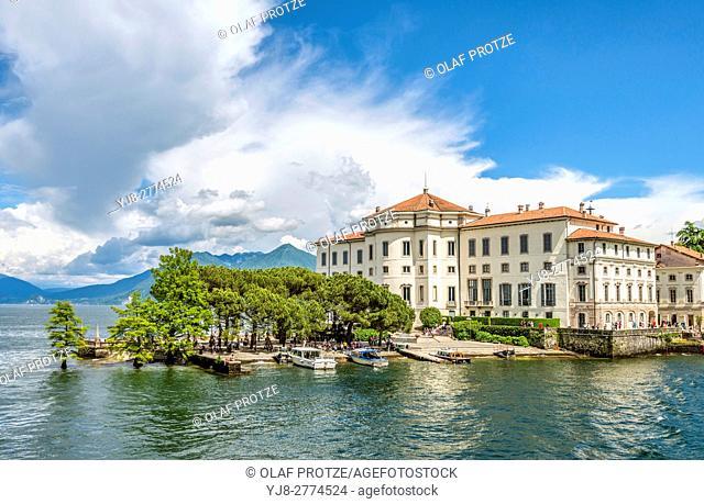 Palazzo Borromeo at Isola Bella, Lago Maggiore, seen from the lakeside, Piemont, Italy