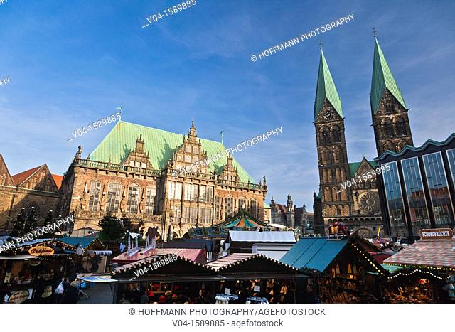 View over the christmas market with the town hall, the cathedral St. Petri and the Parliament building, Bremen, Germany, Europe