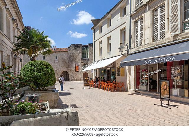 Pedestrian street to L'Hostellerie and Library Francois Mitterand in Saintes