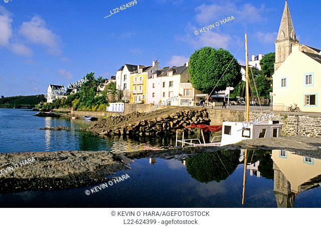 Fishing port of Sauzon. Island of Belle-île-en-Mer. Morbihan department. Brittany province. Atlantic coast. France