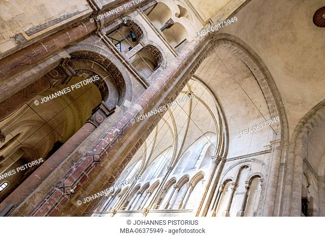 Europe, Germany, North Rhine-Westphalia, Cologne, interior and vault of Great St. Martin Church