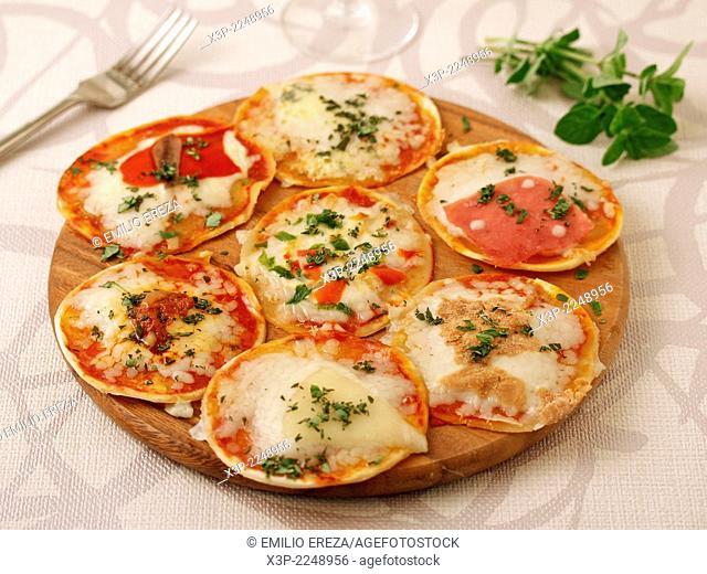 Varied minipizzas