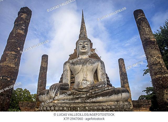 Wat Sa Si, in Sukhothai Historical Park, Sukhothai, Thailand