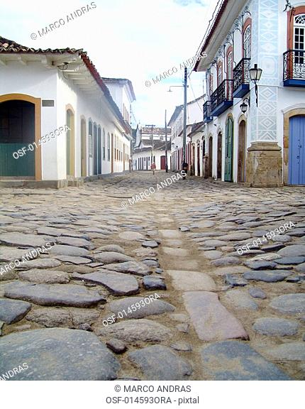 stoned pavement parallelepipids at paraty street