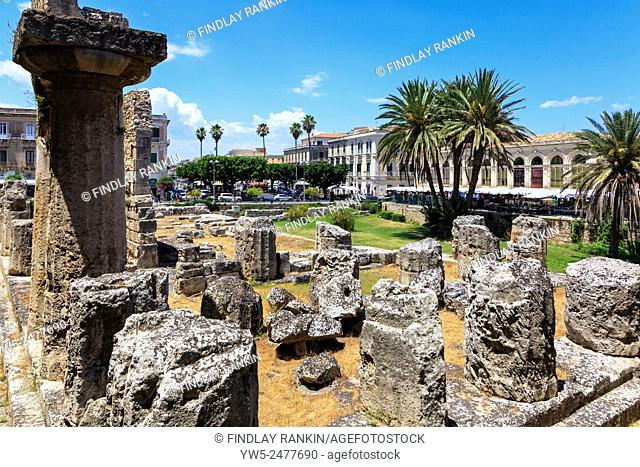 Ruins of the Greek Temple of apollo on Ortyia Island Sycacuse, Sicily, Italy