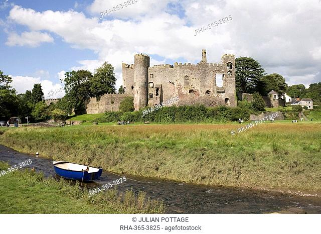 Castle and foreshore, Laugharne, Carmarthenshire, South Wales, Wales, United Kingdom, Europe