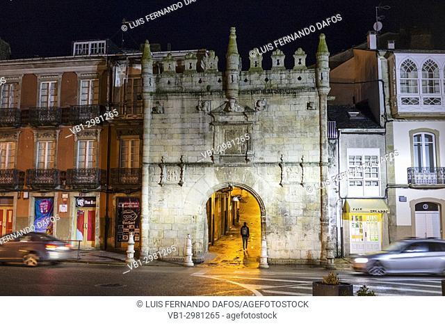 Castillo del Puente o Puerta de Carlos V, (Estilo plateresco, 1554) at night. Travesia da Marina street, Viveiro, Lugo Province, Galicia, Spain, Europe