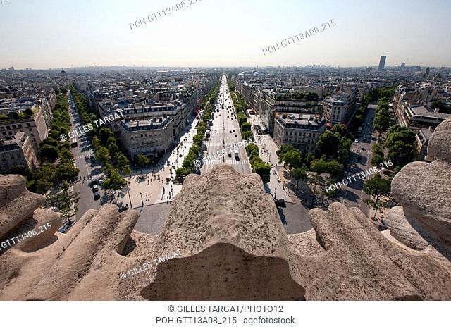 France, Region Ile de France, Paris 8e arrondissement, place Charles de Gaulle, place de l'Etoile, au sommet de l'Arc de Triomphe, panorama, Photo Gilles Targat