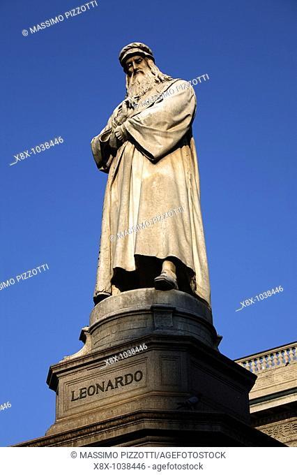 Statue of Leonardo da Vinci, Milan, Italy
