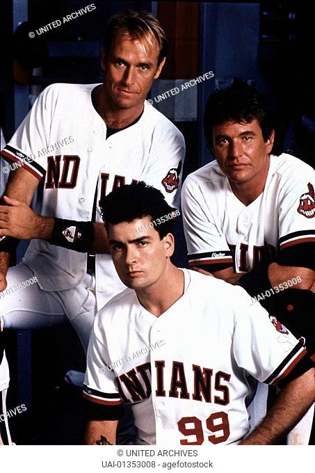 Corbin Benson, Charlie Sheen, Tom Berenger Als die neue Trainerin der 'Cleveland Indians' das Team aufloesen will, entwickeln Roger Dorn (Corbin Benson)