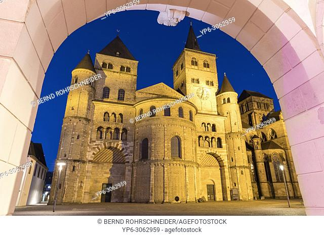 Cathedral of Trier at night, World Heritage Site, Trier, Rhineland-Palatinate, Germany