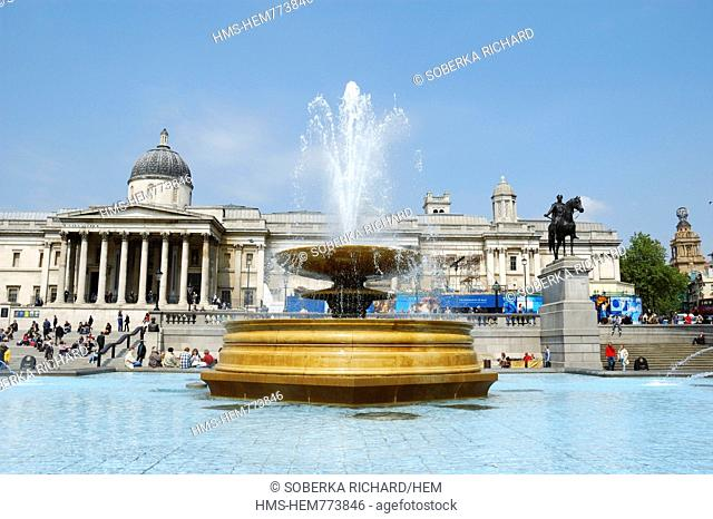 United Kingdom, London, Trafalgar Square, Trafalgar Square fountain with the National Gallery museum in the background
