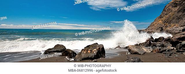 California, Pacific coast, Big Sur, Ragged Point, surf