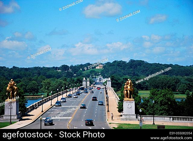 Arlington Bridge over the Potomac River, Washington D.C., USA. Arlington Bruecke über den Potomac Fluss, Washington D.C., USA