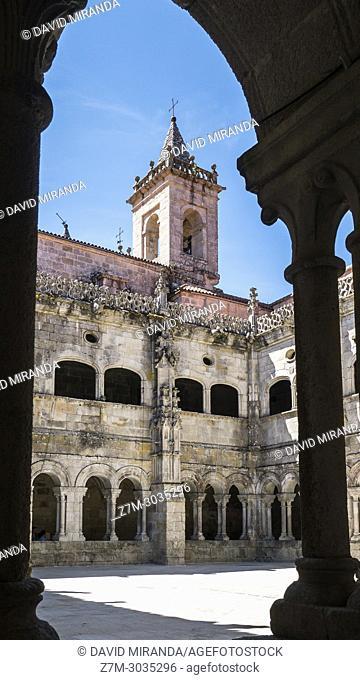 Cloister. Monasterio de San Estevo de Ribas de Sil (parador de turismo). Ourense. Galicia. Spain