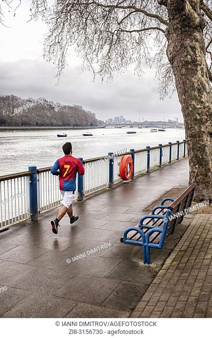 UK,London,Putney-Jogging along Thames Path