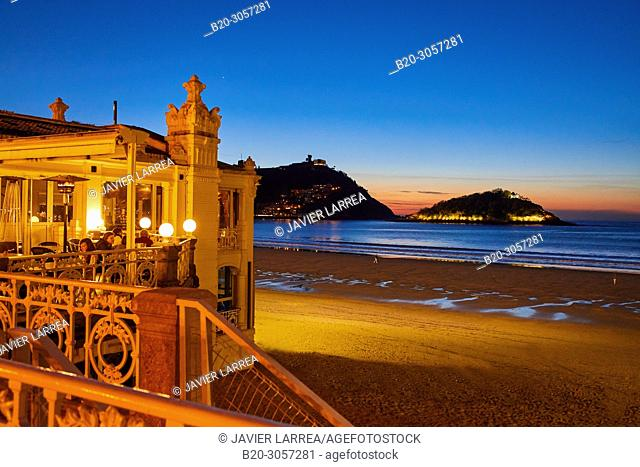 La Perla terrace, La Concha beach and bay, Donostia, San Sebastian, Gipuzkoa, Basque Country, Spain, Europe