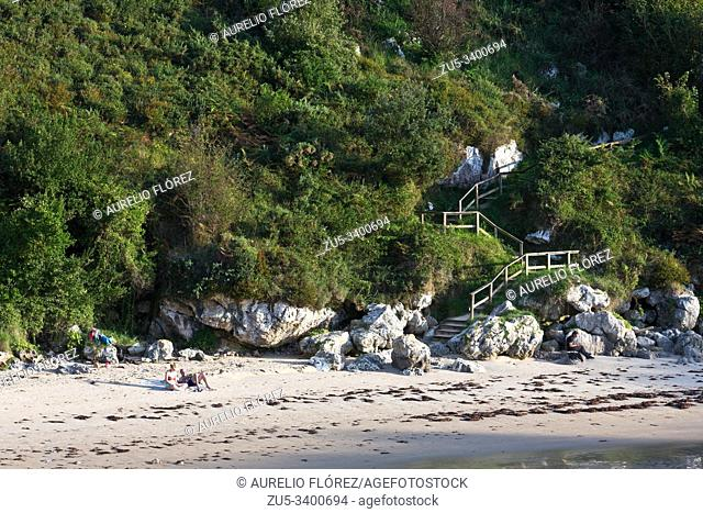The Beach of Poo, is located in Poo, in the western half of the Llanes council, Asturias. It is framed on the beaches of the Eastern Coast of Asturias