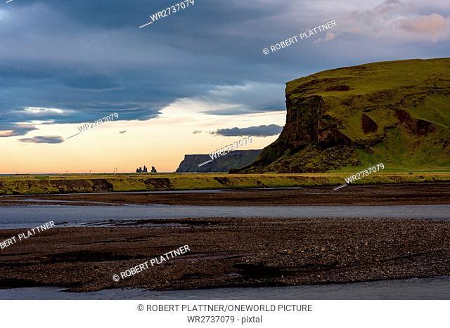 Iceland, Suðurland, Vík, coast near Vik at sunset
