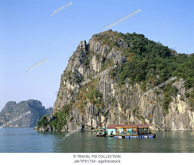 Halong Bay / Karst Limestone Rocks / House Boats, Vietnam