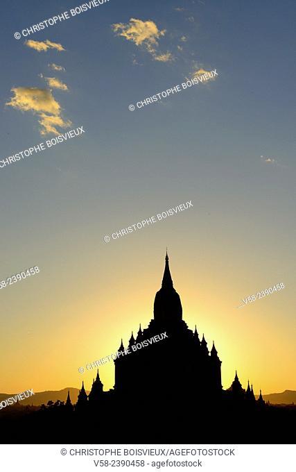 Myanmar, Bagan, Sulamani pagoda at sunset