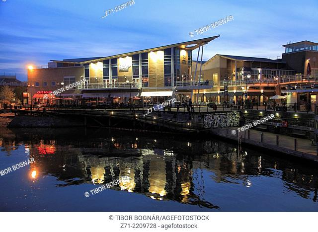 UK, Wales, Cardiff, Bay, skyline, restaurants, nightlife,