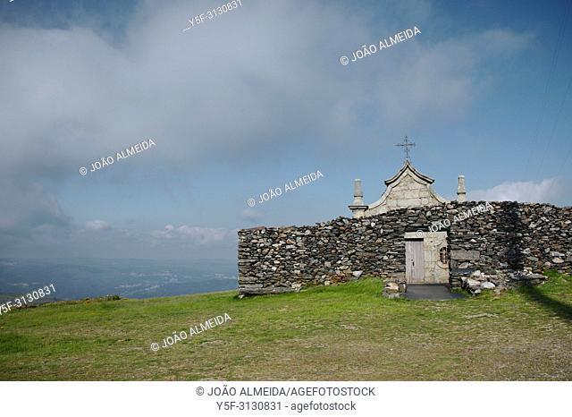 The chapels of São Macário at the highest point of Arada Mountains