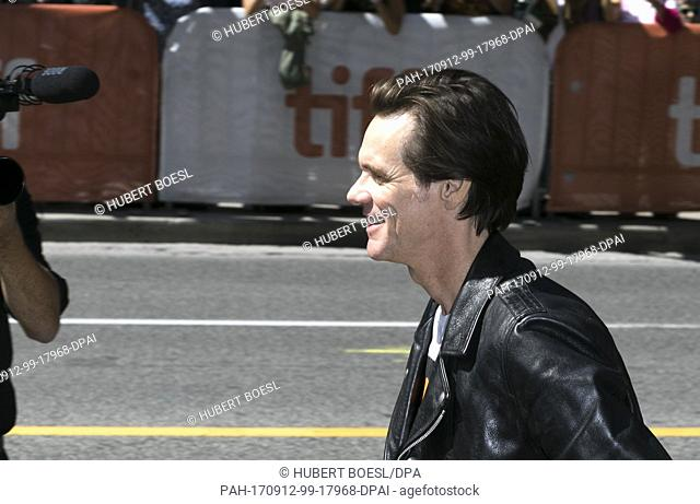 Jim Carrey attends the premiere of 'Jim & Andy: The Great Beyond - The Story of Jim Carrey & Andy Kaufman Featuring a Very Special