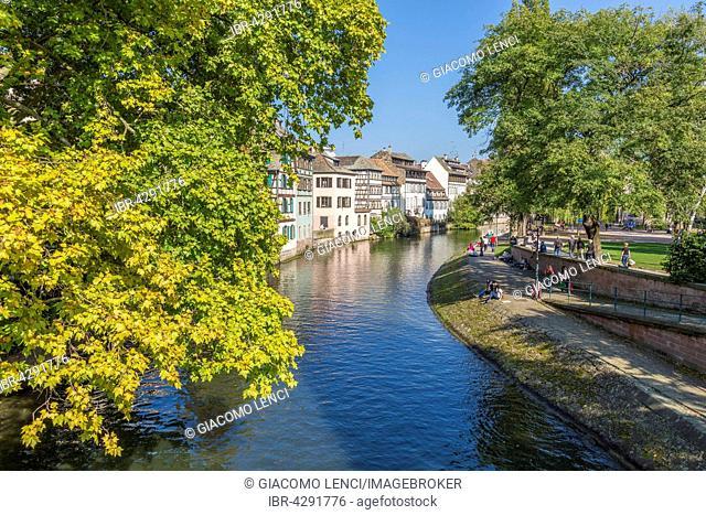 River Ill, Quai de la Petit France, Strasbourg, Département Bas-Rhin, Alsace, France