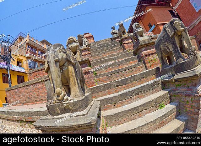 Hindu Street Temple, Street Scene, Bhaktapur, Kathmandu, Nepal, Asia