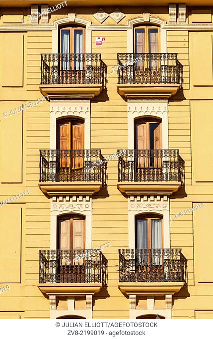 Building facades in Plaza de la Reina, Valencia