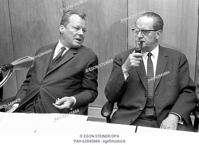 SPD chairman Willy Brandt (centre) discusses the incidents involving demonstrating students and the police with the AStA chairmen of the German universities on...