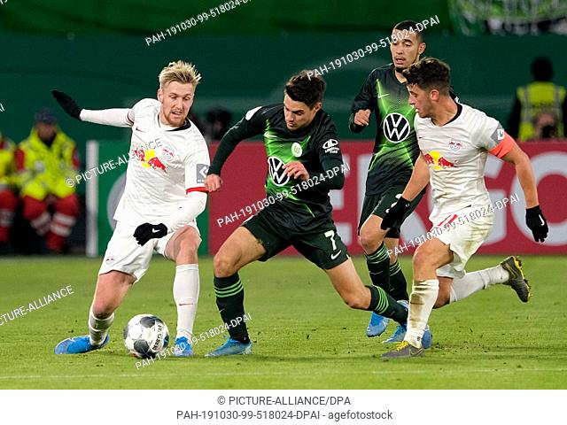 30 October 2019, Lower Saxony, Wolfsburg: Soccer: DFB Cup, 2nd round, VfL Wolfsburg - RB Leipzig in the Volkswagen Arena
