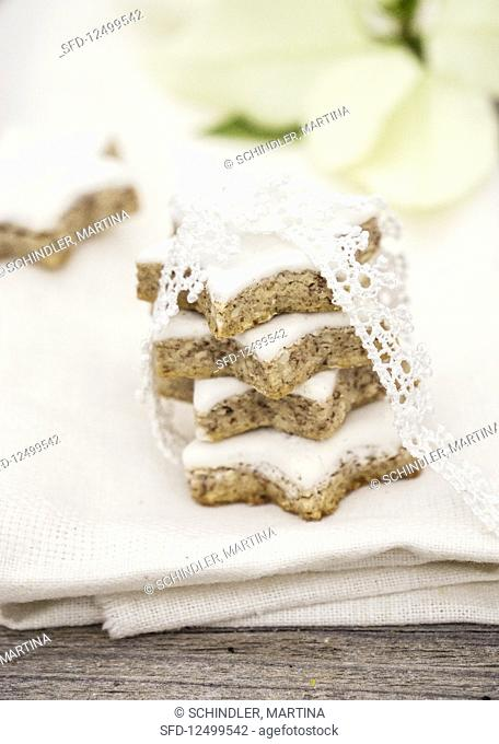 Stacked cinnamon stars with a lace ribbon