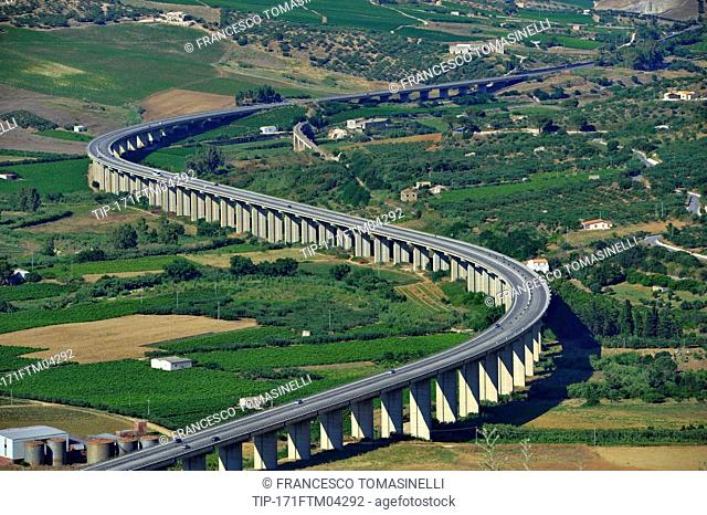 Italy, Sicily, Segesta, the highway