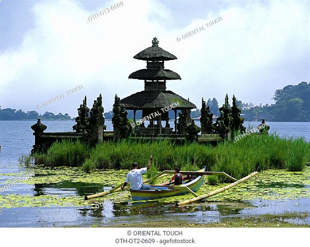 Pura Urun Danu Lake Bratan, Indonesia